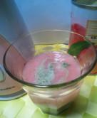 アロエといちごの青汁スムージー